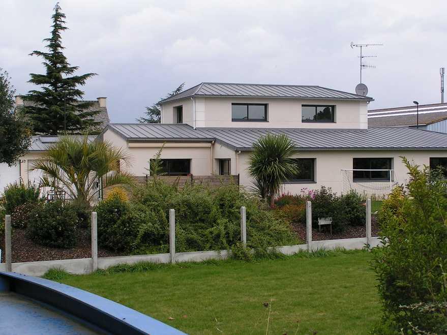 maison avec piscine interieure a yffiniac