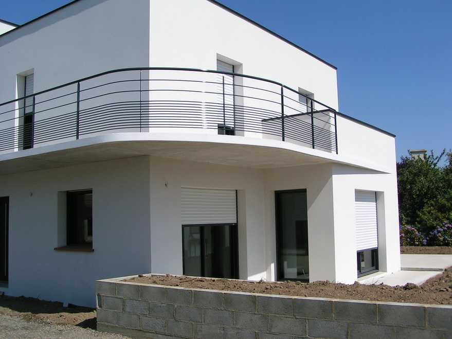 Maison avec balcon en brique ploufragan lebras didier for Assurance maison avec dossier criminel