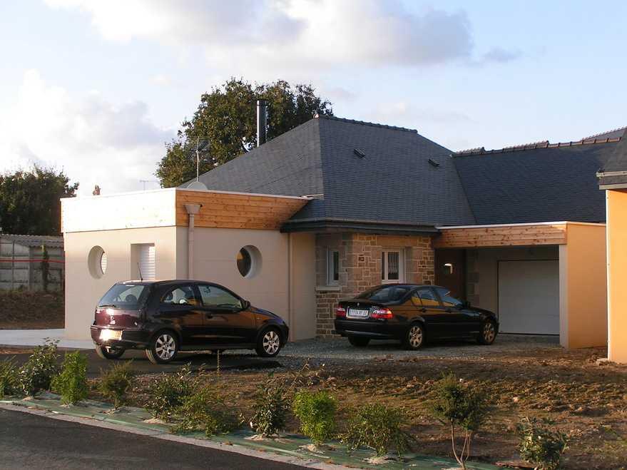 maison couverture ardoise + melange, bois, pierre